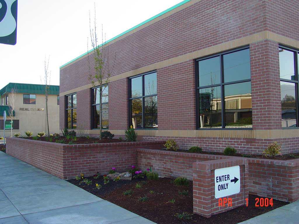 rogue-federal-credit-union-grants-pass41 - Commercial