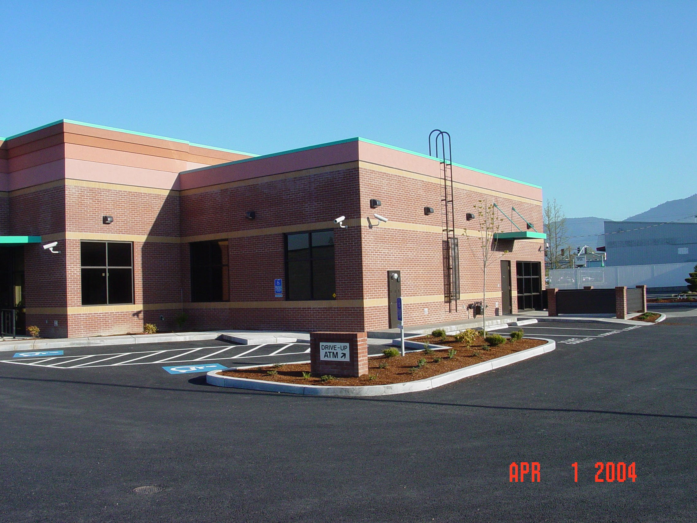 rogue-federal-credit-union-grants-pass48 - Commercial