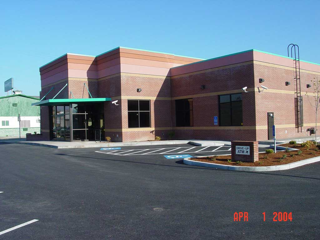 rogue-federal-credit-union-grants-pass849 - Commercial
