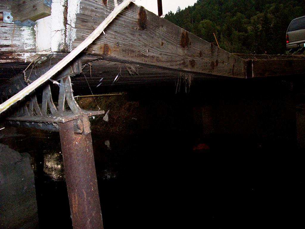 pine-villa-bridge_2621