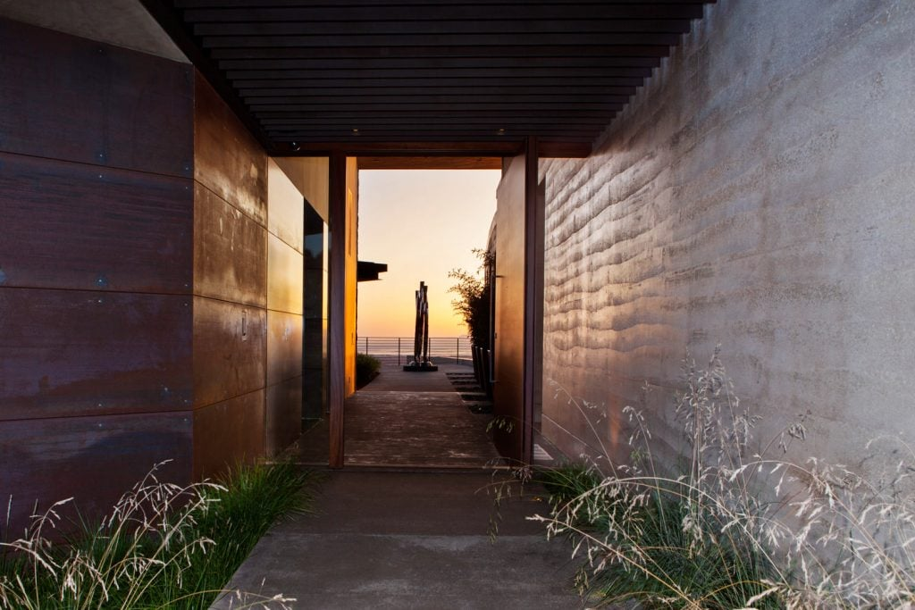 Rammed-Earth-Home-Sustainable